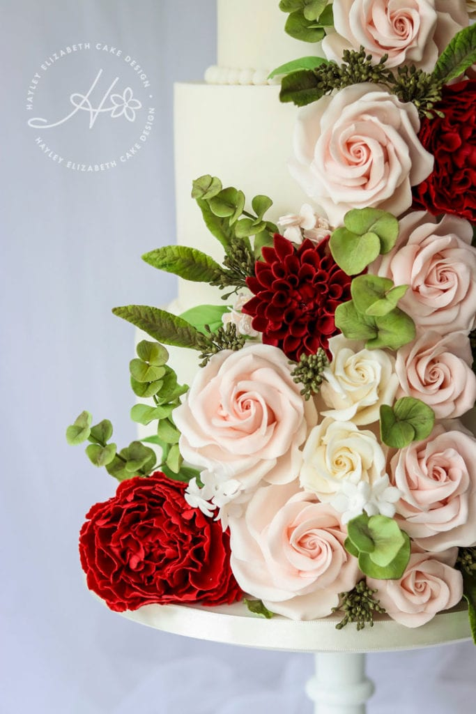Luxury wedding cake, red and green wedding cake, wedding cake inspiration, elegant wedding cakes, christmas wedding cake, winter wedding cake, festive wedding cake