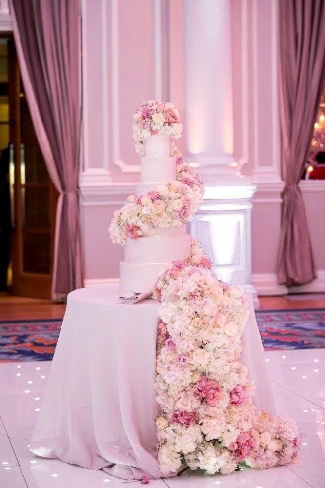 Luxury wedding cakes, elegant wedding cakes, white wedding cake, grey wedding cakes, silver wedding cakes, hampshire wedding, surrey wedding, wedding cake inspiration, wedding cake ideas, sugar flowers